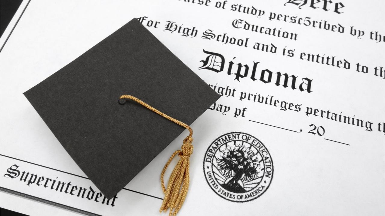 earn-international- Bachelors-degree-Peru-alt-3