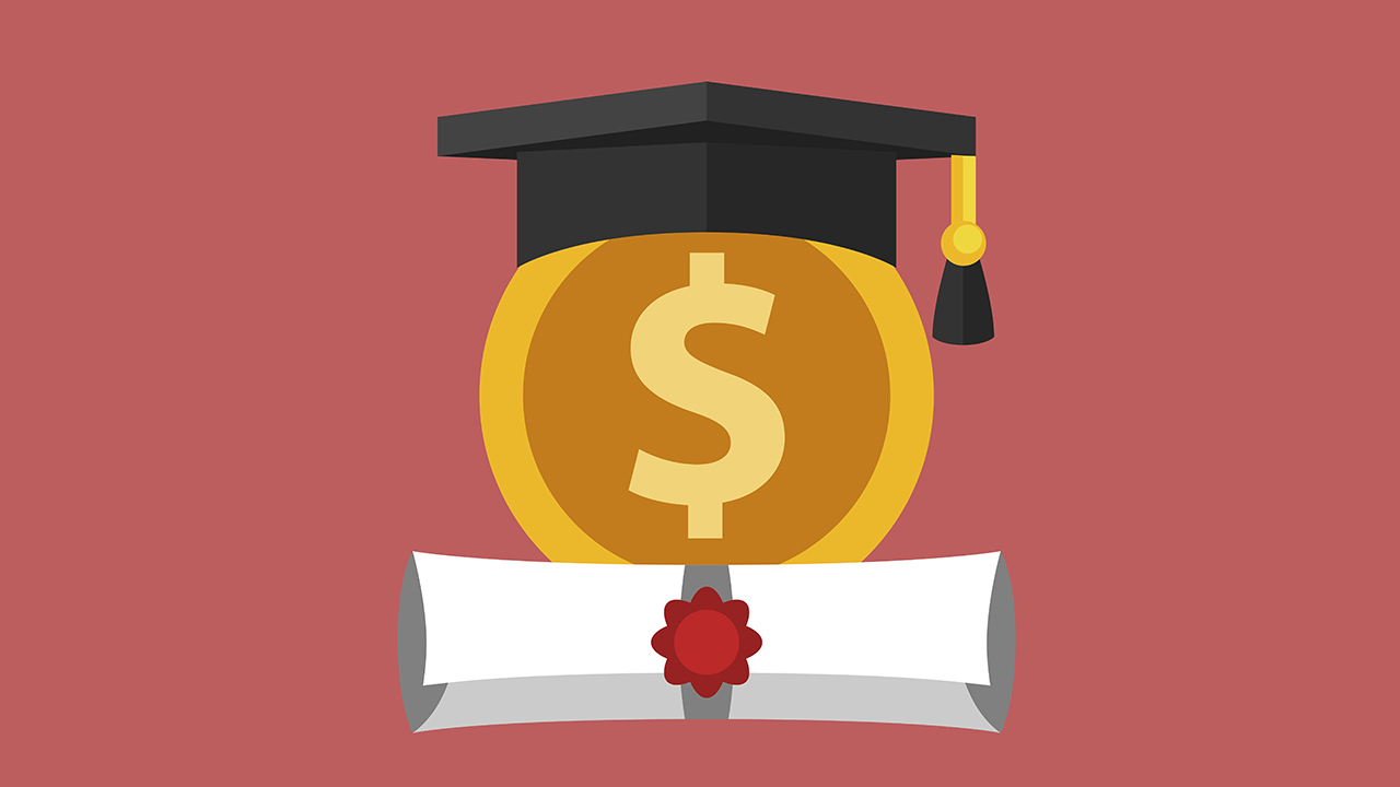 4 tips to manage your money in college